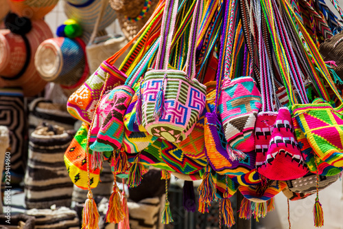 Deurstickers Zuid-Amerika land Street sell of handcrafted traditional Wayuu bags in Cartagena de Indias