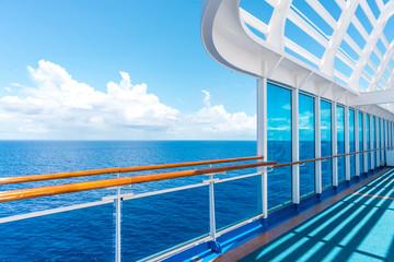 Fototapeta na wymiar Cruise