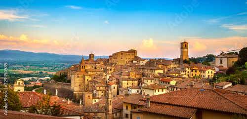 Photo Anghiari medieval village panoramic view. Arezzo, Tuscany Italy