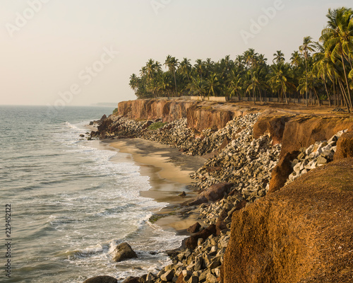Tuinposter Kust Coastline and cliffs in India