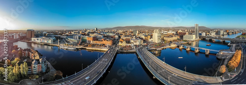 Ingelijste posters Europa Aerial view of Belfast in autumn