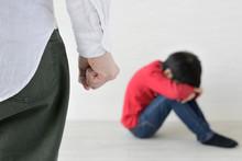 子どもへの叱り・虐待