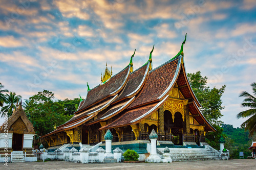 Staande foto Temple Wat Xieng Thong or The Golden City Temple. The most important buddhist temple in UNESCO World Heritage city, Luang Prabang, Laos.