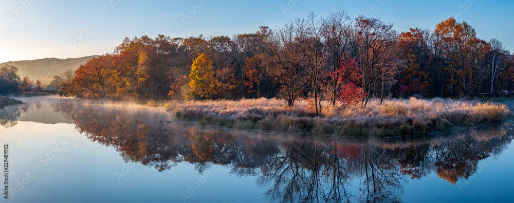 Fototapety, obrazy: Autumn landscape of early foggy morning in the far east of Russia.