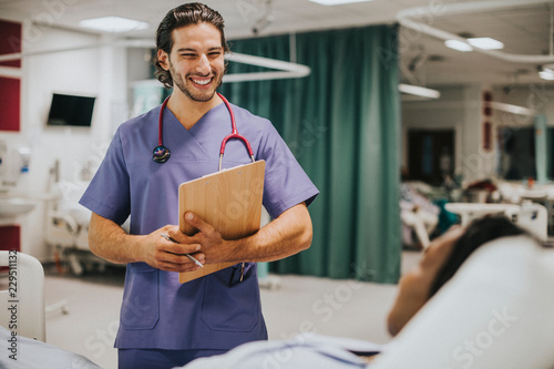 Fotografía  Handsome young physician at a hospital
