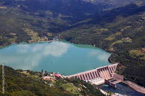 Deurstickers Dam hydroelectric power plant Perucac on Drina river landscape Serbia
