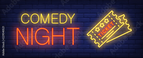 Fotografia  Comedy night neon text with tickets