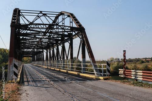 Keuken foto achterwand Bruggen Combined road and railway bridge across the river
