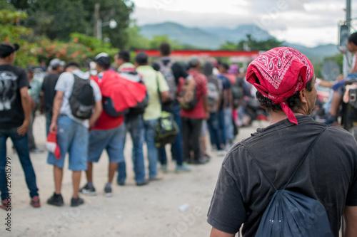 Valokuvatapetti Migrantes hondureños