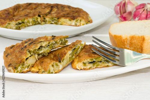 Tortilla con espárragos verdes
