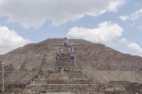 Piramides De Tehotihuacan Mexico Aztecas Buy This Stock Photo And Explore Similar Images At Adobe Stock Adobe Stock