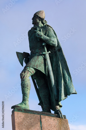 Fotografia, Obraz  Leif Eiriksson Statue in Reykjavik