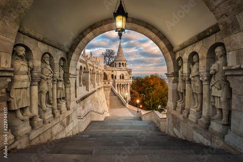 Budapest, Hungary - View on the ancient Fisherman's Bastion (Halaszbastya) at su Fototapete