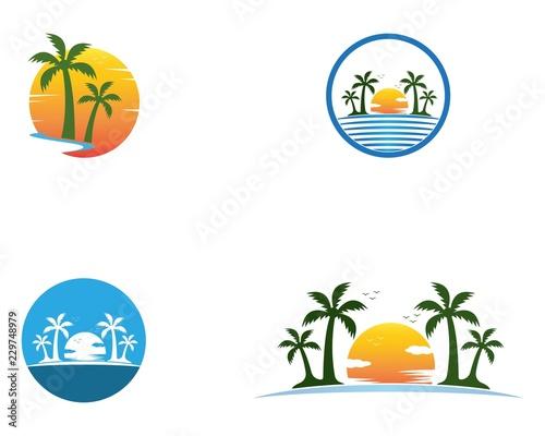 Foto Palm tree summer holidays logo vector