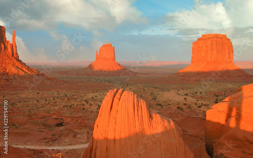 Fotografie, Obraz  Clouds over Monument Valley