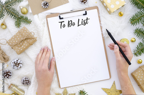 Photo  Flat lay christmas clipboard mockup