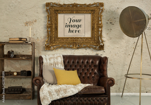 Antique Gold Picture Frame in Living Room Mockup. Kaufen Sie ...