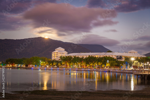 Canvas Print The Cairns Esplanade with rising moon, Cairns, Queensland, Australia