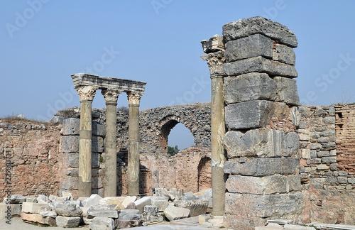 Fotografie, Obraz  Ancient ruins