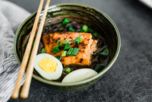 Sesame Ginger Salmon Noodles