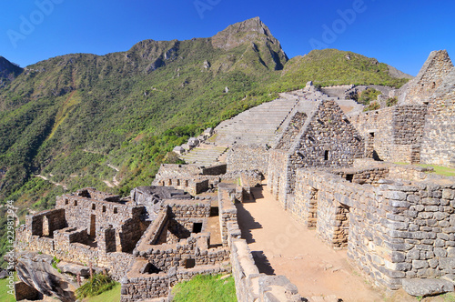 Photo  Machu picchu (old mountain), pre-columbian inca site situated on a mountain ridge above the urubamba valley in Peru