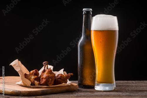 Fotografía  Juicy chicken wings for beer