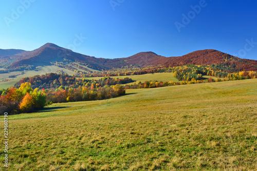 Fotobehang Landschap Mountainous landscape in autumn, Low Beskids (Beskid Niski)