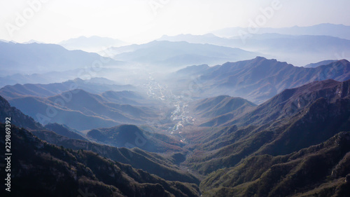 Photo sur Toile Muraille de Chine Wonderful landscape of a Chinese village from the top of the Great Wall of China