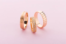 Stylish Pink Gold Rings With D...