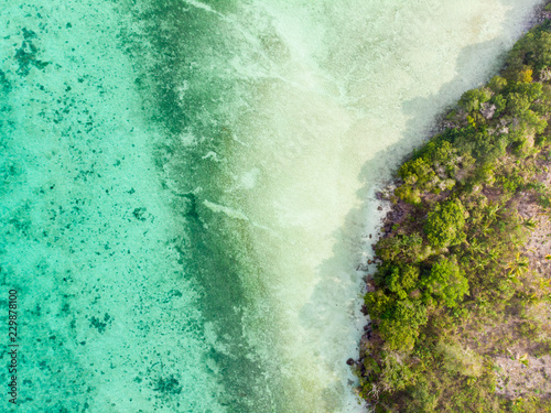 Montage in der Fensternische Reef grun Aerial top down view tropical paradise pristine coast line rainforest at Bair Island. Indonesia Moluccas archipelago, Kei Islands, Banda Sea. Top travel destination, best diving snorkeling.