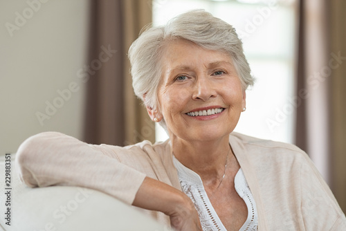Photo Happy senior woman