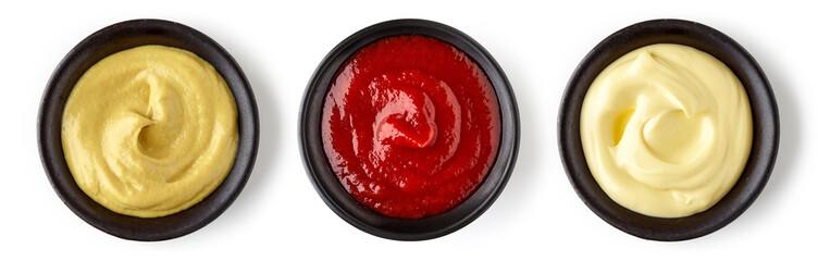 Kečap majoneza i senf izolirani na bijeloj boji, odozgo