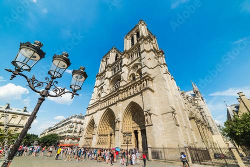 Cadres-photo bureau Palerme World famous Notre Dame cathedral in Ile de la Cite