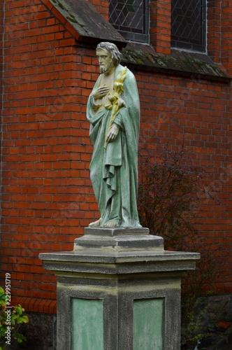 Poster Monument Rzeźba św. Józef przed kaplicą Św. Elżbietanek w Tucholi