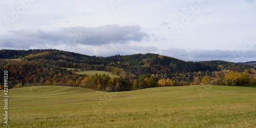 Spoed Foto op Canvas Blauwe hemel Autumn view of the countryside, rural nature autumn.