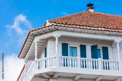 In de dag Zuid-Amerika land Beautiful colonial building located at the walled city in Cartagena de Indias