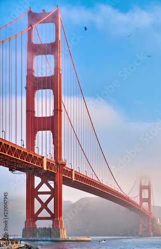 Tuinposter Amerikaanse Plekken Golden Gate Bridge at morning, San Francisco, California