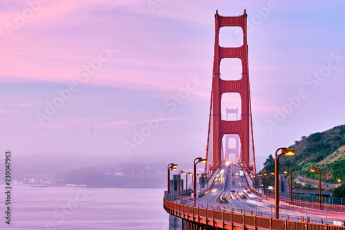Poster Amerikaanse Plekken Golden Gate Bridge view at sunrise, San Francisco