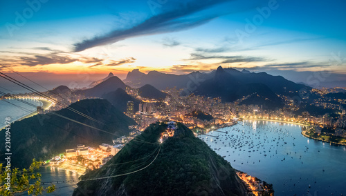 Photo  Aerial view of Rio de Janeiro at sunset with Urca and Corcovado mountain and Gua