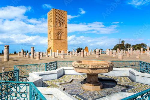 Poster Maroc Beautiful square with Hassan tower at Mausoleum of Mohammed V in Rabat, Morocco on sunny day