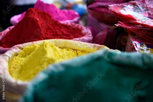 Foto op Canvas India Baskets of bright and colorful Holi powders, or Gulal during the Holi Festival in New Delhi, India.