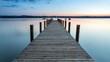 Abendstimmung mit Blick auf einen Steg am Starnberger See