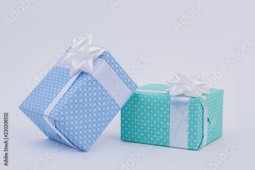 Fotografía  Gift boxes with bow on light background