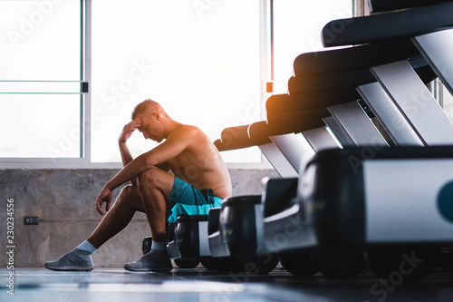 Upset man in the fitness after bad running results Принти на полотні