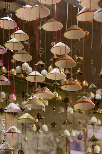 Fotografia  Lanterns, fine arts and handicraft in Hoi An old town, Vietnam