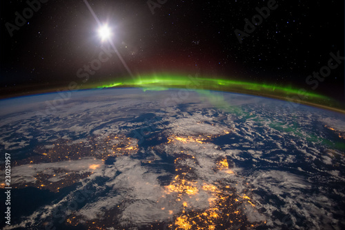 Ireland, United Kingdom and Scandinavia on a moonlit night under an amazing aurora Canvas-taulu
