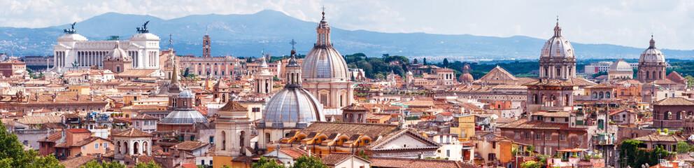 Zračni panoramski pogled na Rim, Italija. Skyline starog romskog grada.