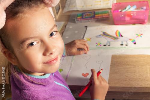 Fototapeta Uśmiech dziecka jest bezcenny obraz