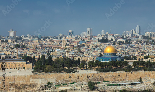 Fotobehang Midden Oosten Jerusalem Old City Skyline, view to The Dome of the Rock, Islamic shrine located on the Temple Mount