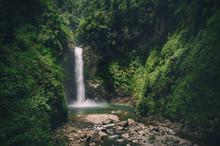 Tappiya Waterfall In Batad Phi...